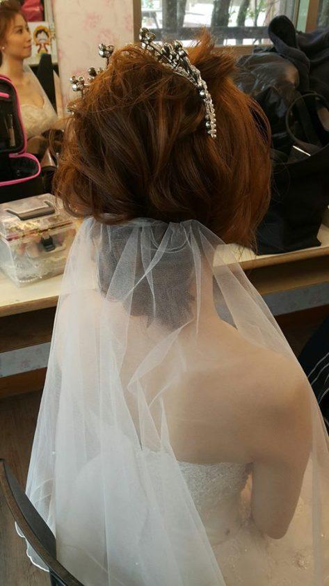 皇冠白紗新娘造型