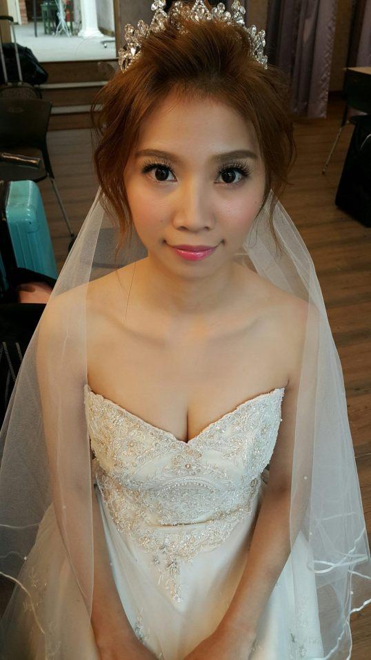 皇冠白紗新娘造型-新秘小葳