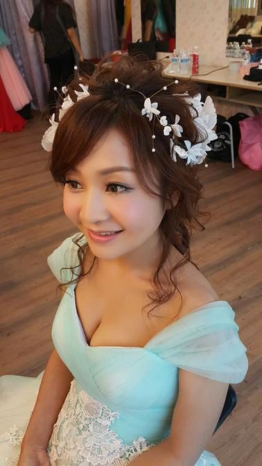 粉綠色禮服妝髮-台北新秘小葳