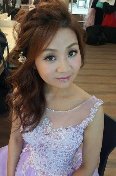 粉色禮服|線條側編髮造型妝髮-新秘小葳