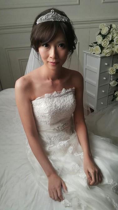 皇冠長頭紗妝髮-台北新秘小葳