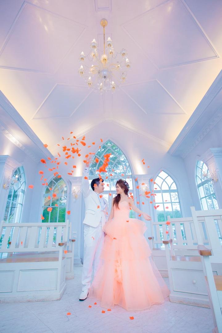 [粉色婚紗〕甜美浪漫教堂婚紗照